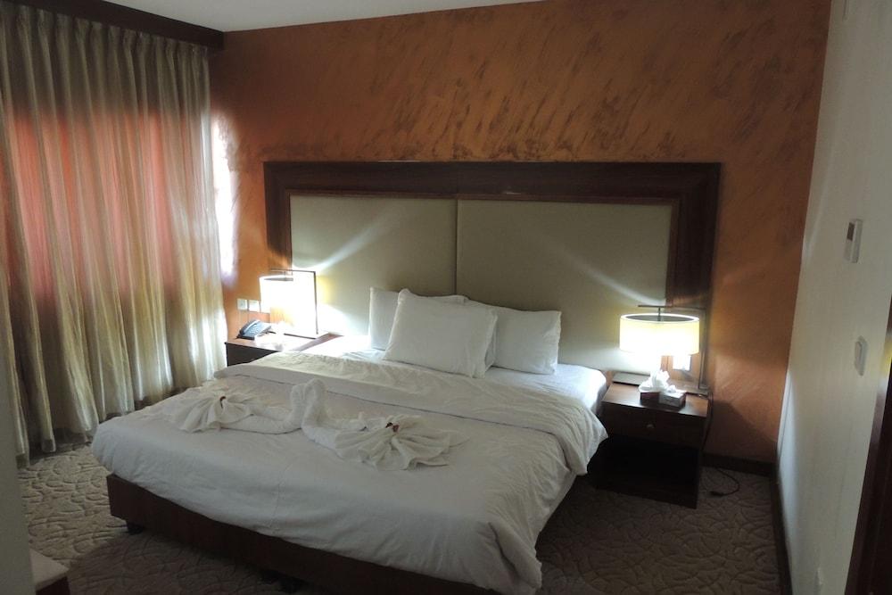 President hotel-19 of 20 photos